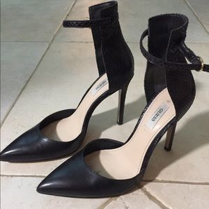 Guess stilettos
